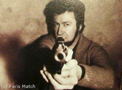 """""""Il y a un message de justice dans chaque balle que je tire"""". - Batiweb"""