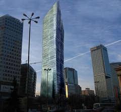 La futur tour de Libeskind à Varsovie gelée - Batiweb
