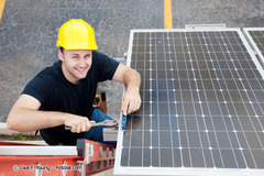 Photovoltaïque : les pistes du GMPV pour l'après moratoire Batiweb