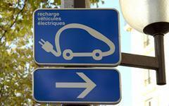 Des prises de recharge pour véhicules électriques obligatoires dans les immeubles - Batiweb