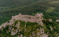 Puilaurens : un château cathare illuminé de LED - Batiweb