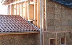Les professionnels investissent la construction en paille - Batiweb
