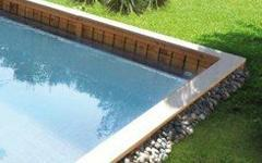 Le bois pour construire des piscines naturelles - Batiweb