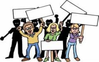 Manifestation de salariés de Lapeyre à l'assemblée de Saint-Gobain - Batiweb