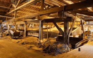 (Vidéo) Restauration de la dernière poêle à sel française