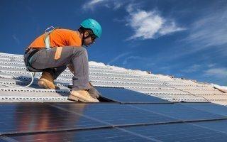 Photovoltaïque : conserver à tout prix l'intégration au bâti ? Batiweb