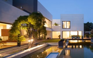 (Diaporama) Pierre acrylique pour les façades d'une maison bois de style Bauhaus - Batiweb