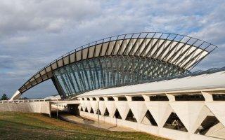 Le nouveau terminal de l'aéroport Lyon-Saint Exupéry confié à Bouygues - Batiweb