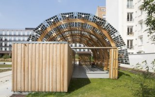Zoom sur la serre photovoltaïque à énergie positive du jardin Bich à Clichy-la-Garenne