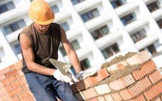 En 2014, l'artisanat du bâtiment anticipe un recul de 1,5 % à 2 % de son activité