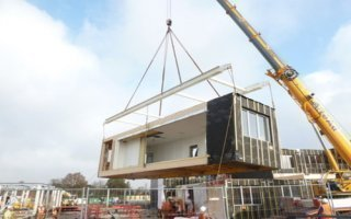 Transformable et transportable, un collège construit à la mode industrielle à Clisson Batiweb