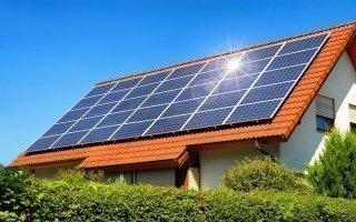 Un tarif revalorisé de 10 % pour les panneaux solaires intégrés au bâti - Batiweb