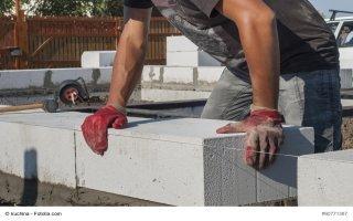 Une charte pour améliorer les chantiers de maçonnerie en blocs béton - Batiweb