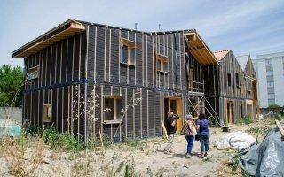 Bègles présente ses nouveaux logements isolés en paille - Batiweb