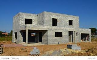 Droit au logement dans la Constitution : la Fnaim se prononce contre - Batiweb