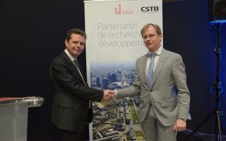 BIM WORLD : l'Epadesa et le CSTB signent une convention de partenariat - Batiweb