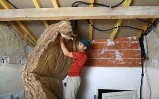Rénovation énergétique : l'UFC dénonce « les piètres performances des artisans » - Batiweb