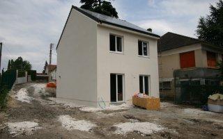 Val d'Oise : une maison individuelle déjà conforme au label E+C- - Batiweb