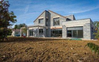 Maison individuelle : les notices d'information annexées aux contrats de construction évoluent Batiweb