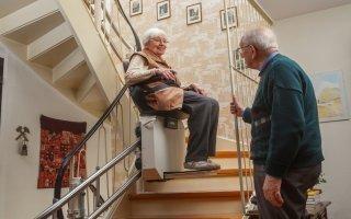 « Bien vieillir chez soi » : la Fédération des ascenseurs publie un guide sur l'adaptation des logements