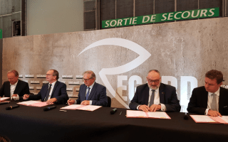 Batimat : signature de la charte « Objectif BIM 2022 » Batiweb