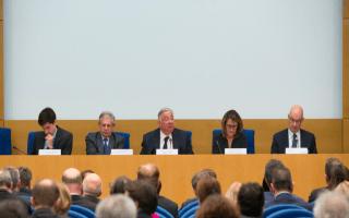 J. Mézard réclame plus de temps pour observer les effets de l'encadrement des loyers à Paris