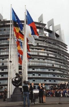 Bruxelles tutrice des jeunes du BTP - Batiweb