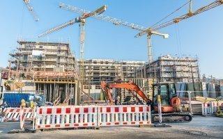 Construction: le dynamisme du non-résidentiel peine à compenser la baisse des logements