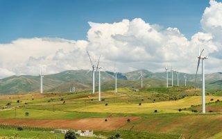 Énergies renouvelables : les investissements en berne au premier semestre 2018