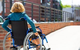 Loi Elan : les personnes en situation de handicap ne décolèrent pas !