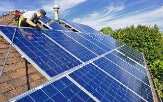 Panneaux solaires : une charte des bonnes pratiques contre les arnaques - Batiweb