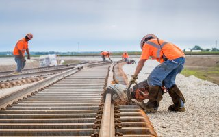 Avec l'acquisition du groupe Meccoli, Eiffage poursuit son développement dans le domaine ferroviaire - Batiweb