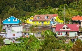 L'État annonce un dispositif en faveur de la rénovation des logements outre-mer Batiweb
