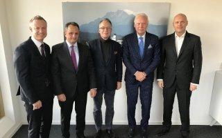 MB Barter & Trading AG passe entre les mains de Rehau