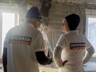 Bricoman soutient « Les Bricos du Cœur » sur des chantiers de rénovation Batiweb