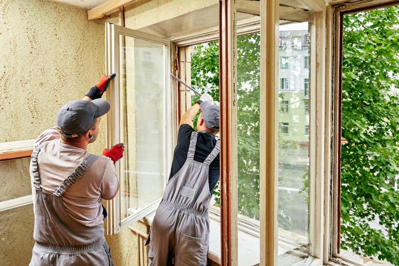 Rappel : pas de mousse expansive pour le calfeutrement ou l'étanchéité des fenêtres
