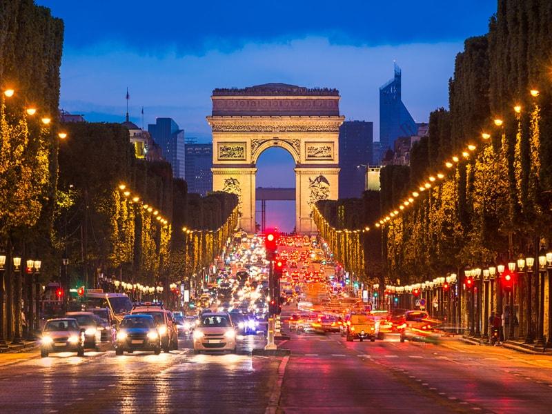 Réaménager l'avenue des Champs-Elysées pour la rendre plus agréable