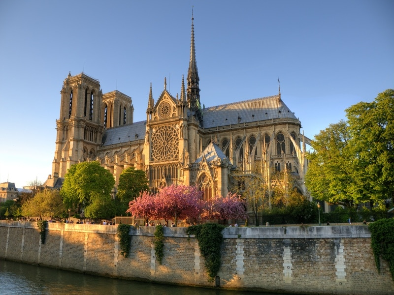 Lancement d'un concours d'architecture pour rebâtir la flèche de Notre-Dame