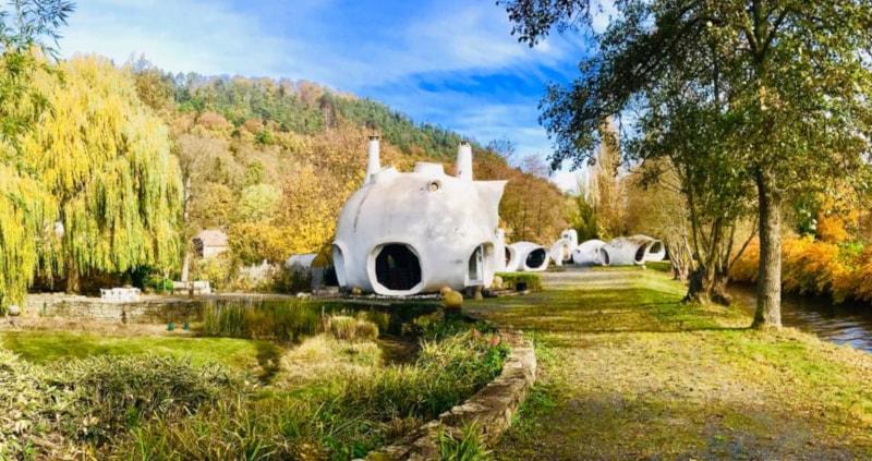 Un acquéreur propose 120 000 euros pour les maisons-bulles de Haüsermann