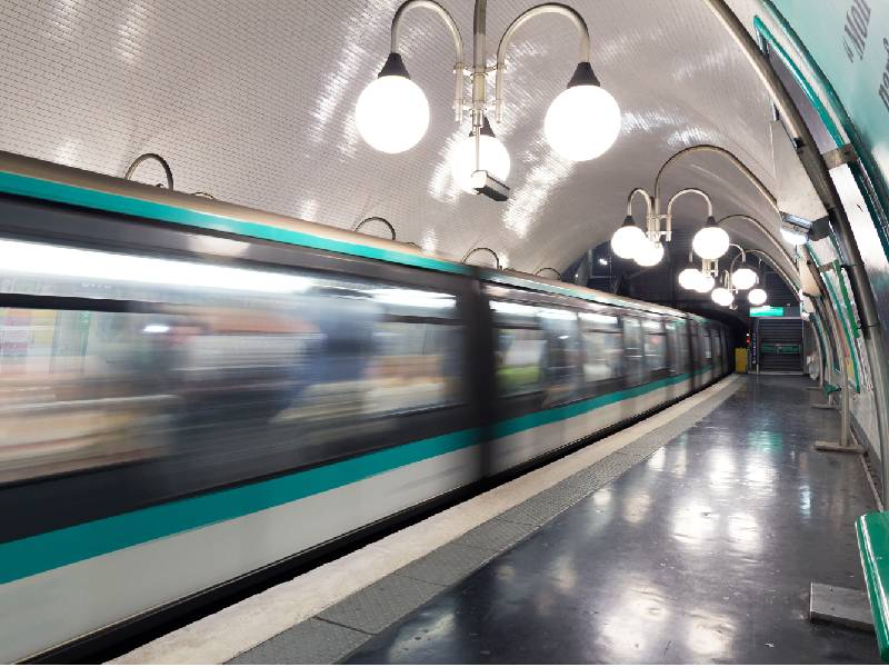 Un dispositif de purification d'air testé dans le métro parisien