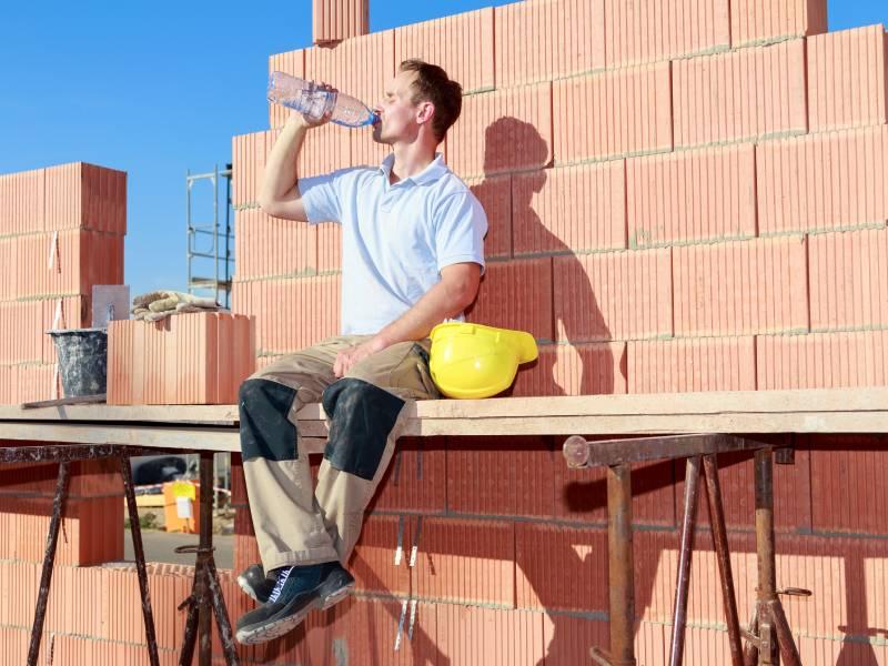 Canicule et chantiers : professionnels du bâtiment, soyez vigilants !