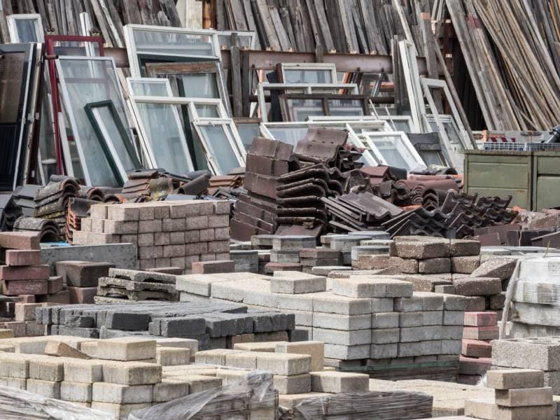 Reprise des déchets : les négoces proposent un large panel de solutions à leurs clients - Batiweb