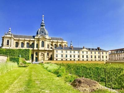 Succès de la Biennale d'architecture et de paysage à Versailles : un bilan de 200 000 visiteurs Batiweb
