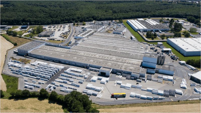 Au cœur de la production de profilés PVC à Aizenay (85)