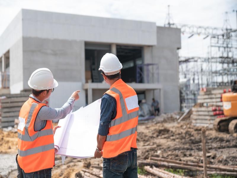 Construction : les permis de construire se stabilisent mais les mises en chantier poursuivent leur déclin
