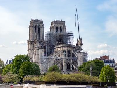 Reconstruction de Notre-Dame : signature de conventions pour que l'Etat puisse utiliser les dons Batiweb