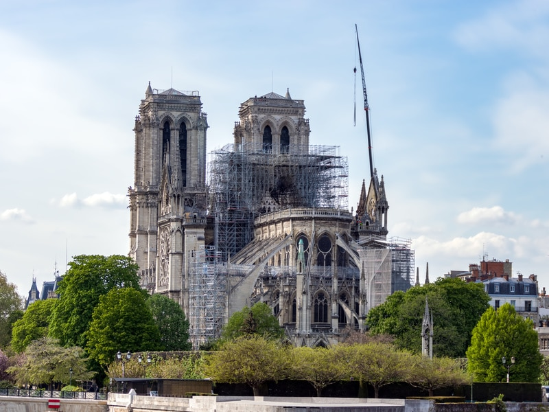 Reconstruction de Notre-Dame : signature de conventions pour que l'Etat puisse utiliser les dons