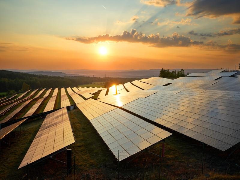 Appel d'offres sur les centrales solaires en France : 107 nouveaux projets lauréats Batiweb