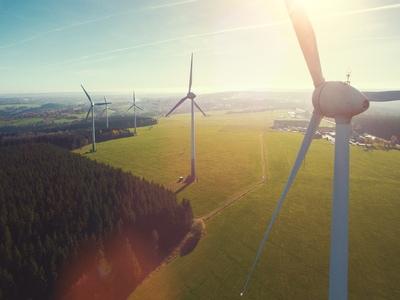 Des drones qui prennent soin des éoliennes Batiweb