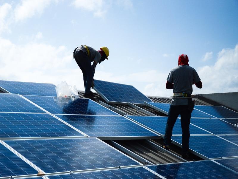 Elisabeth Borne annonce de nouvelles périodes d'appels d'offres pour le solaire photovoltaïque